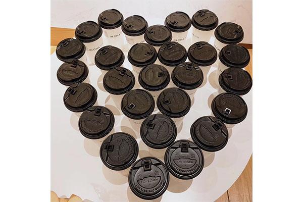 消费者喜欢奶茶